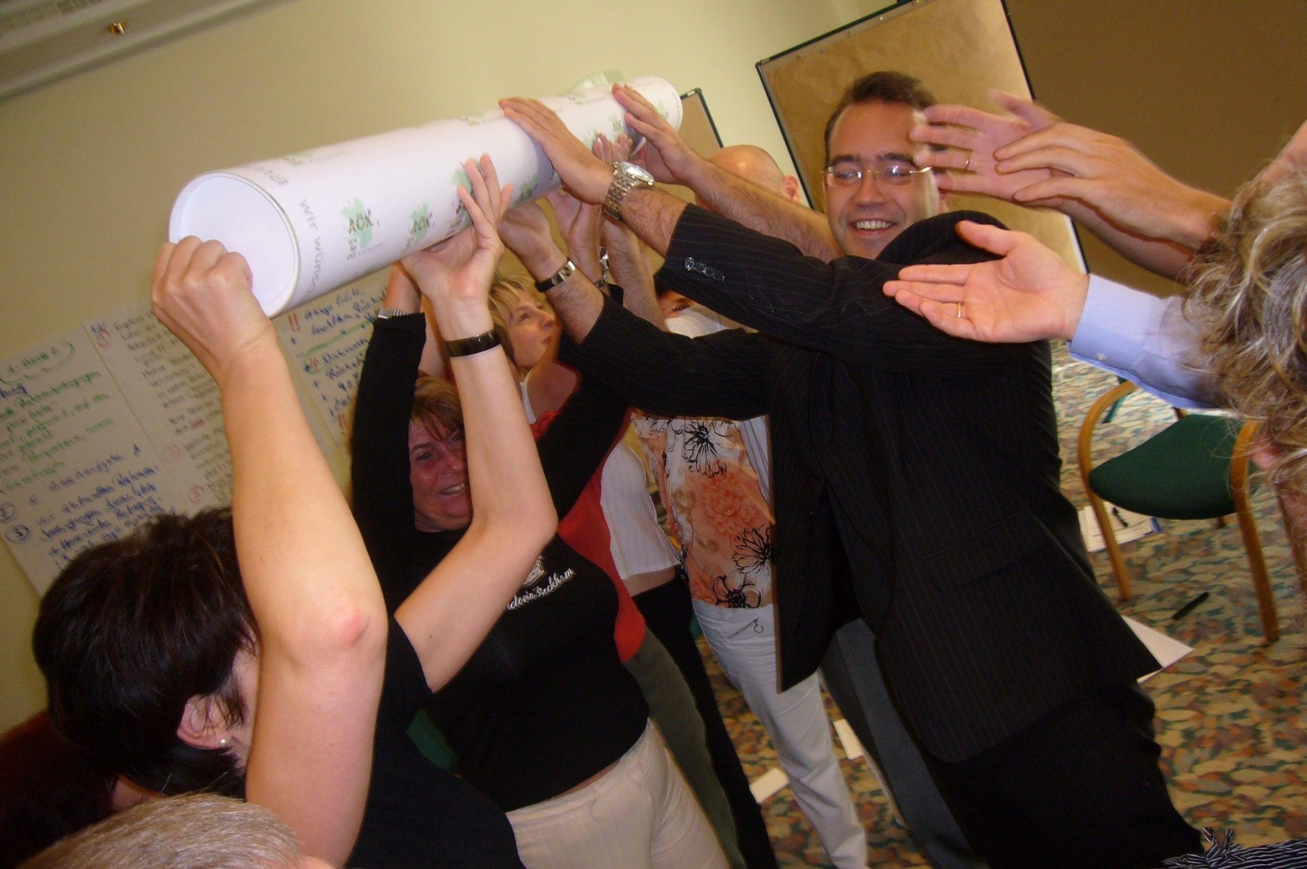 Teamarbeit bei Großgruppenkonferenz