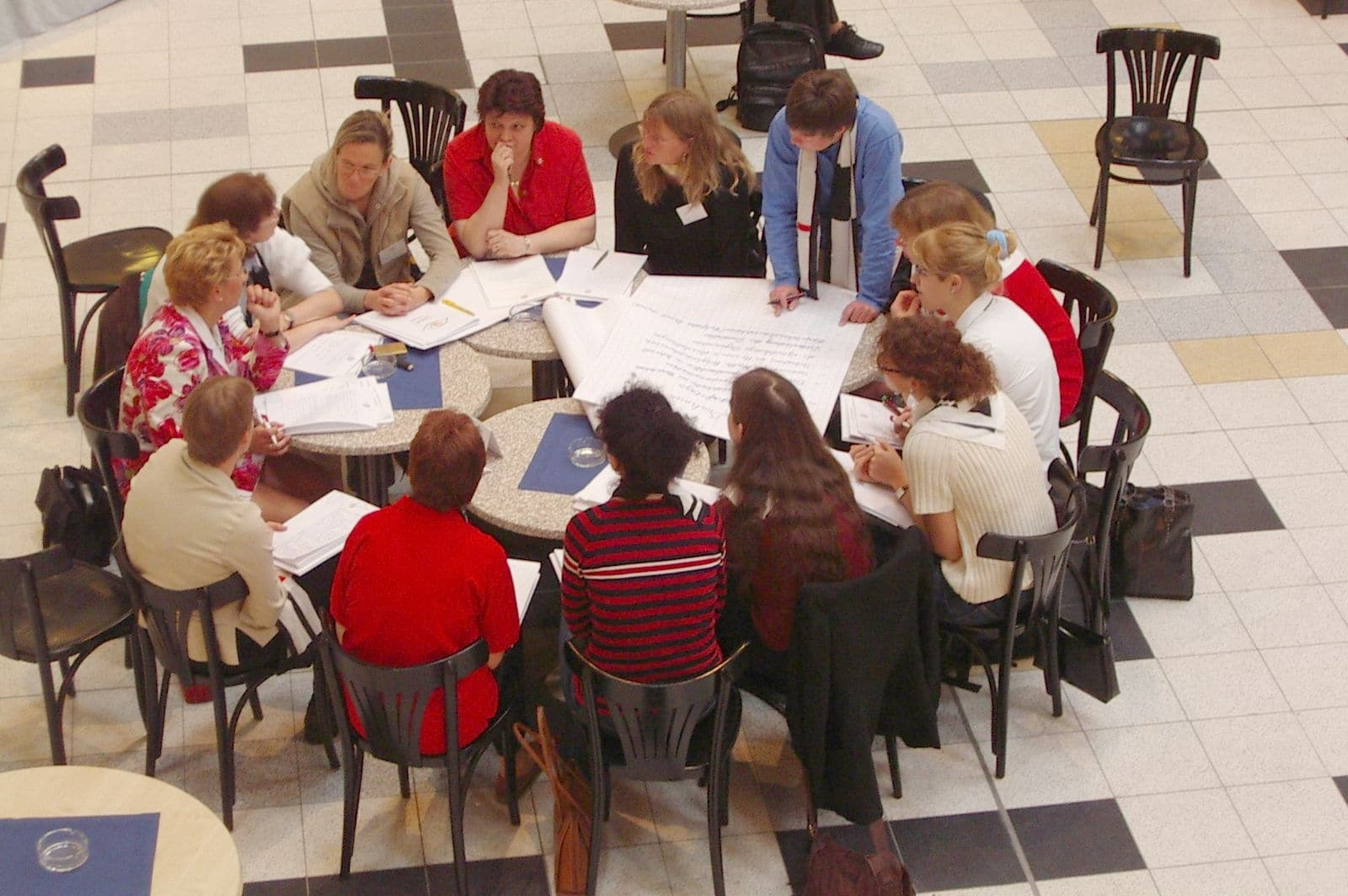 Arbeitsrunde bei Großgruppenkonferenz