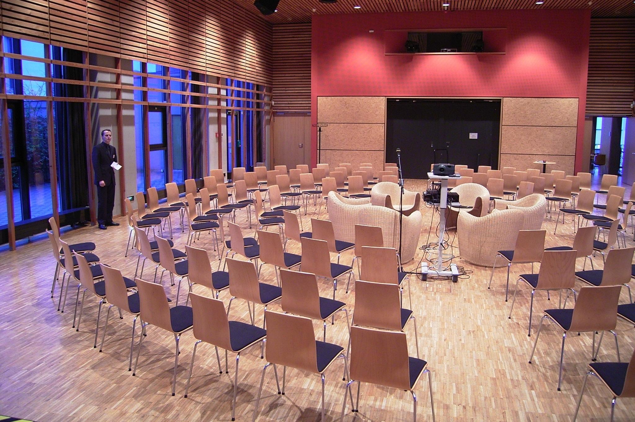 Plenum während Großgruppenkonferenz